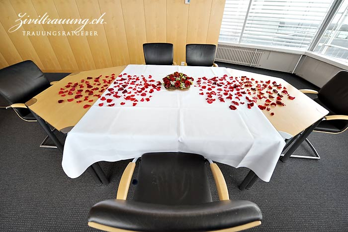 The decorated ceremony table